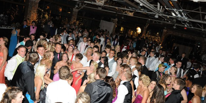 "Flashbacks from the ""Roaring 20′s"" Resurface for 2014 Prom"